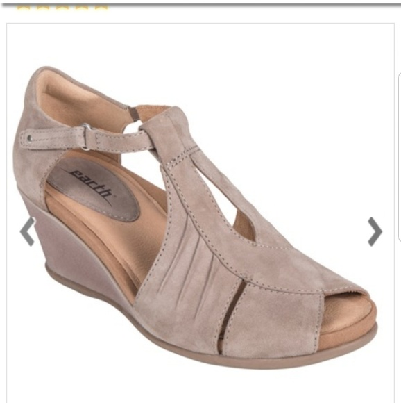 87252295a3a8 Earth Shoes - Earth shoes 8.5 B Caper Ginger taupe wedge sandals